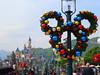 X'mas @ Hong Kong Disneyland (stardex) Tags: disneyland building architecture mickey hongkong hk xmas merrychristmas castle lamp