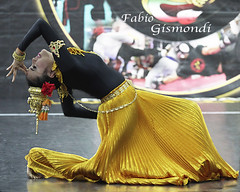 @ FESTIVAL DELL'ORIENTE 2016 (fabiogis50) Tags: festivaldelloriente2016 girl dancer marinadicarrara thailand