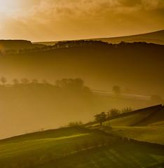 Mist and Shadow (Peter Quinn1) Tags: bamfordedge crepuscularrays sunlight shafts rays mist winter winterlight peakdistrict bamford derbyshire