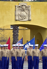 "Marine ""Eagle Globe Anchor"" emblem with Marines at attention in front (Jon_Marshall) Tags: marines marine bootcamp graduation platoon marinecorpsrecruitdepot sandiego mcrd eagleanchorglobe emblem crest maingate military recruits"