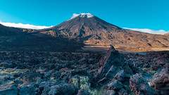 Clear Morning at Mount Ngauruhoe (stefannik) Tags: tongariro newzealand alpinecrossing alpine peak mount mountain climb climbing awesome beautiful fantastic landscape nature cool volcano volcanic wide wideangle wild track walk travel