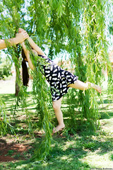 IWR-Potch-251116 (40) (Ivan Wong Rodenas) Tags: child girl outdoors daughter love princess trees grass mom mommy family