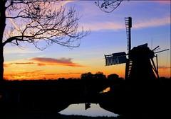 Mill in Silhouet (TeunisHaveman) Tags: mill molen zonsondergang sunset zuidwolde groningen silhouet reflectie spiegeling poldermolen polder