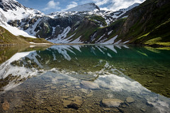 Spiegelbild.... (A.K_Photography Hamburg) Tags: schnee lake mountains nature landscape kärnten alpen reflektion gletschersee nationalparkhohetauern nikond810 grossglocknerhochalpenstrase afsnikkor24mm114ged