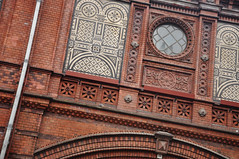 DSC_4200 [ps] - Markt Marked (Anyhoo) Tags: light red urban building berlin brick window station wall architecture facade germany tile deutschland europe arch terracotta pillar decoration frieze railwaystation ornate leaded faade tiling glazed glazing tiled hackeschermarkt anyhoo berlinhackeschermarkt bahnhofhackeschermarkt photobyanyhoo