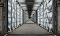 Valena Old International Bridge (Bert Kaufmann) Tags: bridge architecture river puente ngc ponte galicia pont brug tui architectuur riominho minho valena tuy rivier valenadominho minhoriver ponteinternacionaldevalena valenainternationalbridge ponteinternacionaldetuy pontedevalena pelayomancebo