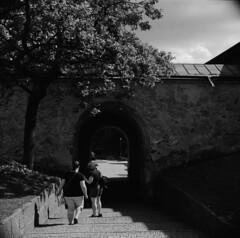 Old Tunnel (A.Sundell) Tags: street urban bw 120 6x6 tlr film blackwhite superb kodak sweden tmax antique iso400 voigtlander streetphotography swedish retro d76 german 400 uppsala epson sverige v600 tmax400 vignetting 1934 voigtländer twinlensreflex westgermany antik skopar f35 svartvit 75mm fixer homedeveloped uppland anastigmat 75cm uppsalalän voiglaender tmaxfix voigtländersuperb voigtlängder