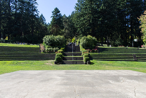 "Amphitheater Rosegarden Portland • <a style=""font-size:0.8em;"" href=""http://www.flickr.com/photos/66187673@N07/21700115610/"" target=""_blank"">View on Flickr</a>"