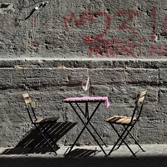 per due (archifra -francesco de vincenzi-) Tags: muro square grey ombre minimal napoli tavolino sedia carré colorrosa minimalisme calice minimalart urbandetail pinkcolor archifraisernia francescodevincenzi