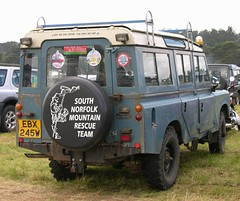 EBX 245W (Nivek.Old.Gold) Tags: station wagon rover land 1980 109 series3 pontypool 3500cc whitchenssons southnorfolkmountainrescueteam