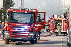 _V0A0858 (oslobrannogredning) Tags: bygningsbrann flammer fullfyr brann totalbrann røykdykker røykdykking røykdykkere arbeidpåtak arbeidihøyden mannskapsbil slangevogn brannbil 61