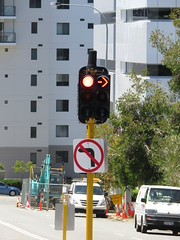 2016 Perth Tour (RS 1990) Tags: perth westernaustralia wa australia december 2016 tour holiday braums trafficlight signal
