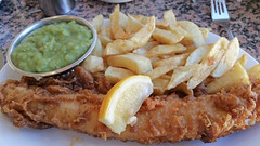 Fish, Chips, Mushy Peas. (ManOfYorkshire) Tags: fishchips fish chips mushypeas peas lemon garnish cod meal restaurant motherhubbards scarborough lunch seaside presentation batter fried mother hubbards