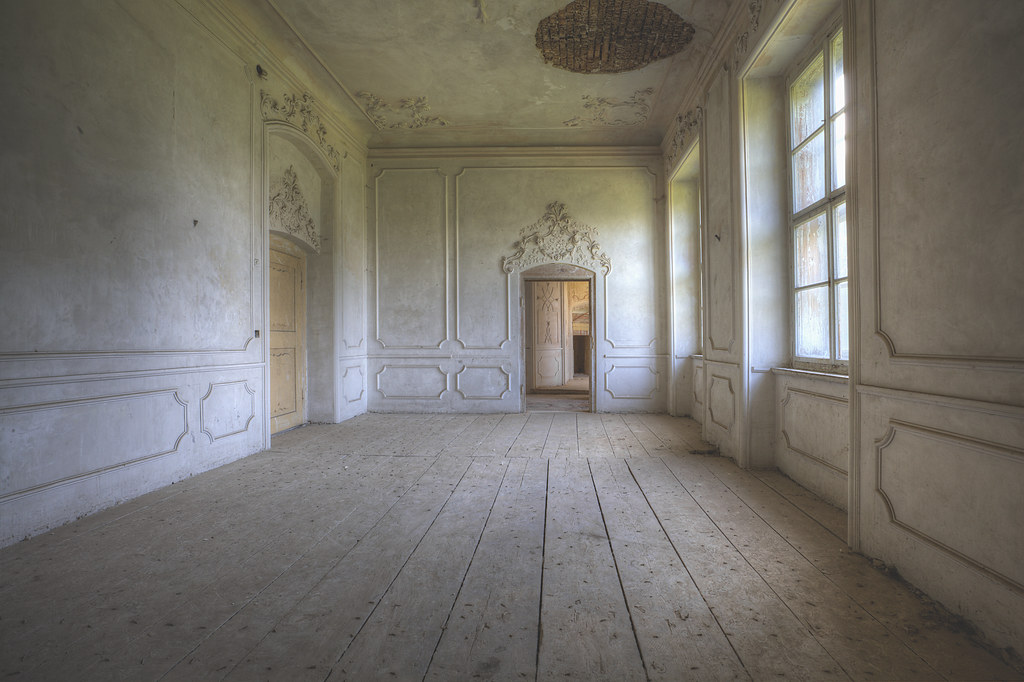 The world 39 s best photos of abandoned and stairs flickr hive mind - The beauty of an abandoned house the art behind the crisis ...