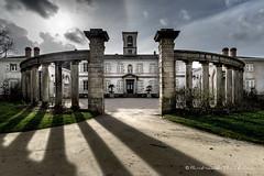La Villa Lemot (Bertrand Thiéfaine) Tags: contrejour domaine parc villa néoclassique architecture ombre contraste d750 nikkor20mmf18 lagarennelemot inspirationitalienne grandangle