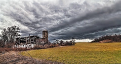IMG_7454-55Ptzl1scTBbLGE (ultravivid imaging) Tags: ultravividimaging ultra vivid imaging ultravivid colorful canon canon5dmk2 clouds stormclouds scenic farm fields barn rural vista landscape