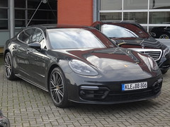 New Porsche Panamera (harry_nl) Tags: netherlands nederland 2017 waardenburg porsche panamera thijstimmermans pcar