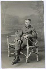 . (Kaïopai°) Tags: bank birke wwi ww1 wk1 weltkrieg guerre krieg militair militär army uniform soldier soldat