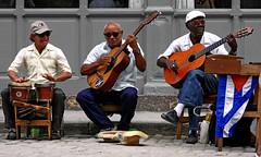 Chan Chan - Havanna (André Schönherr) Tags: music streetart guitar cuba son sound musik havanna kuba gitarre buenavistasocialclub chanchan 40d strasenmusik visionhunter
