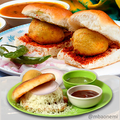 MBAonEMI-17-11-2015-Food (info_mbaonemi) Tags: fun happy yummy enjoy tuesday streetfood cheesey indianfood foodie spicyfood vadapav foodlover