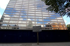 Londra (CarloAlessioCozzolino) Tags: england london clouds reflections nuvole riflessi londra inghilterra newscotlandyard