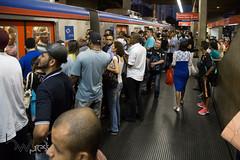 Problemas nas linhas 11 e 12 da CPTM 26-02-2015-58 (BWpress.foto) Tags: incendio trem acidente alckmin bwpress cptm ferrovia governo pane passageiros transporte trilhos tumulto zonaleste