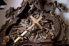 Hondschoote, Nord, Flandres, église Saint-Vaast, altar of 7 sorrows, detail (groenling) Tags: hondschoote nord flandres hautsdefrance france fr églisesaintvaast altar autel wood carving woodcarving retable saint sainte mary marie sorrows douleurs sevensorrows septdouleurs angel ange angelot cherub