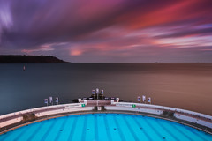 Plymouth Sound in two minutes (snowyturner) Tags: plymouth bay cliffs longexposure sunset pool lido clouds twilight