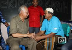 Bertemu dengan mangsa-mangsa banjir di pusat pemindahan SK Bukit Guntung,Kuala Nerus,Terengganu.7/1/17 (Najib Razak) Tags: bertemu dengan mangsamangsa banjir di pusat pemindahan sk bukit guntung kuala nerus terengganu