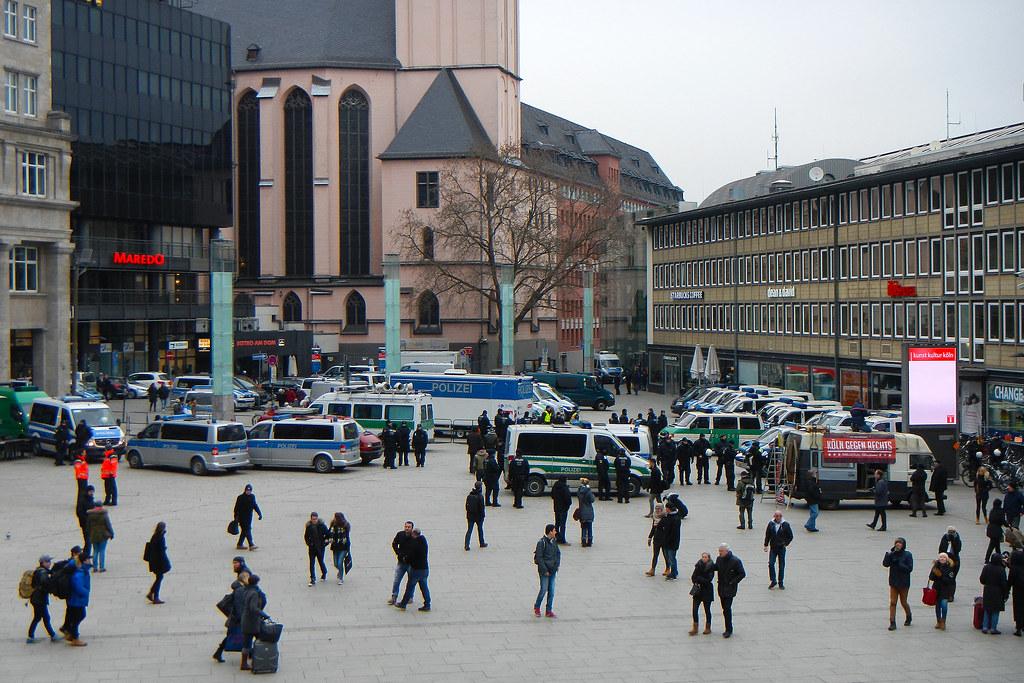 124cd4e259 Police vans at Köln HBF (davidvankeulen) Tags  europe europa deutschland  duitsland germany köln