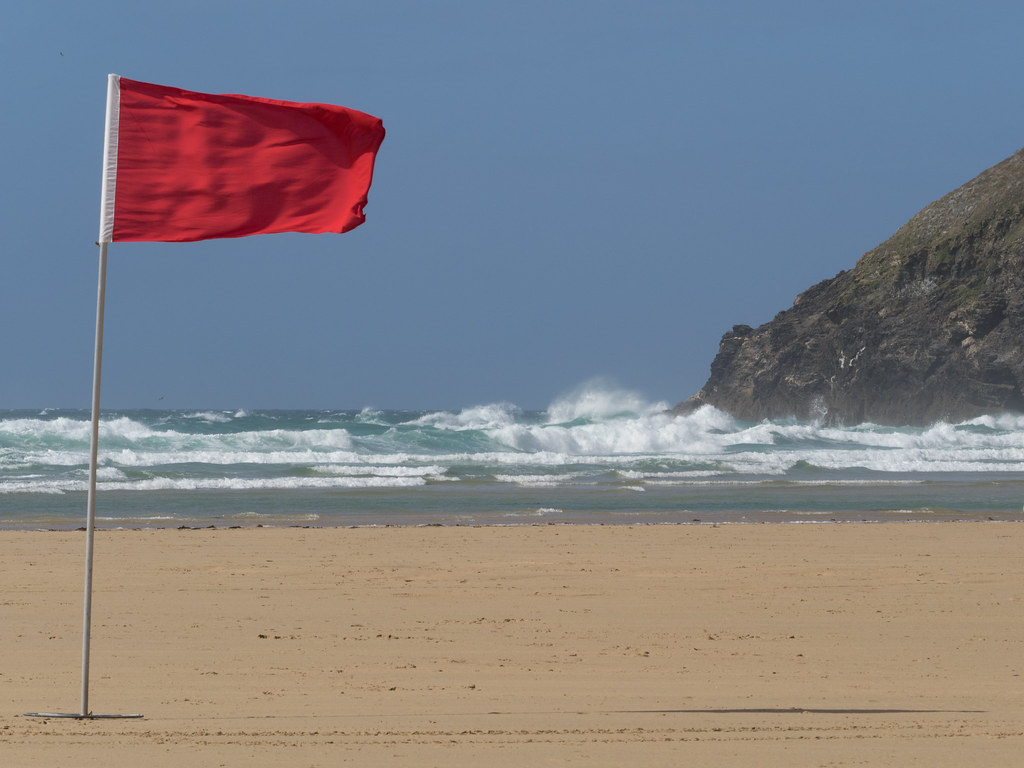 Mawgan Porth beach, Red flaged on Summer (rising) high tide and storm surge