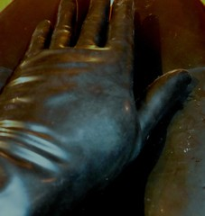 latex glove (lulax40) Tags: latex latexclothes latexgloves gummisklave gummimann gummihandschuhe latexhandschuhe