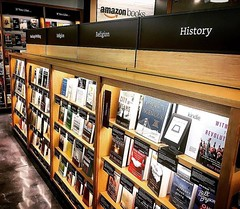 📚#Repost @marissacbs2 ・・・ @amazon opens its first street side/walk-up book store in #chicago 's #lakeview neighborhood.  Southport Corridor to be exact.  All book covers face forward, the black cards underneath are reviews from people who've read th (southportcorridorchicago) Tags: instagramapp square squareformat iphoneography uploaded:by=instagram southport southportcorridor chicago wrigleyville lakeview