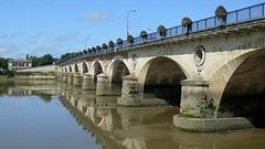 Pont de pierre sur la Dordogne -Libourne (boguy2447) Tags: libourne pont pierre 1820 1824 33 arche 4491301n024980e
