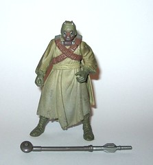 tusken raider with gaderffi stick battle club star wars power of the force 2 red card 1996 collection 2 basic action figures hasbro a (tjparkside) Tags: star wars tusken raider potf2 potf 2 power force two basic action figure figures hasbro tatooine ep episode 4 iv four new hope sw anh collection 1996 gaderffi stick removable cloak sandperosn sandpeople raiders red card cardback with battle club