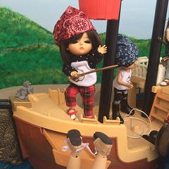 14/17 A Pirate's Chest (Flava Sweet) Tags: pirates luts fairyland fisherprice lati latiyellowcoco crobidoll fairylandpong latiyellowkimmy latiyellowgbelle lutstinykai crobidolllicht