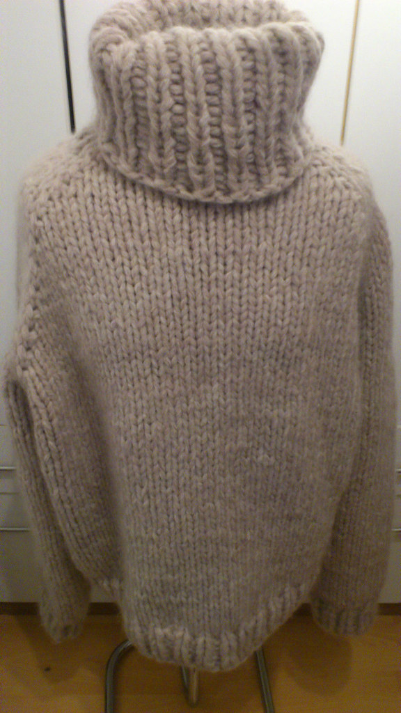Women's Sweaters | lululemon athletica1,,+ followers on Twitter.