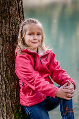 Familie Wallasch (djaneschphoto) Tags: shooting outdoor familie family herbst autumn enstpannt relaxed lächeln laecheln smile türkis tuerkis turquoise baum tree holz wood