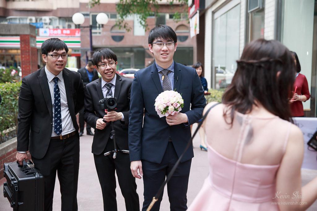台中婚攝推薦-迎娶儀式_037