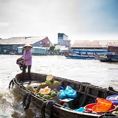 Jackfruit Lady | Can Tho Floating Market, Vietnam (jamilabbasy) Tags: seasia vietnam cantho cầnthơ vn jackfruit floating market