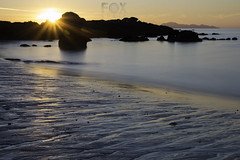 Galifornia (Foxspain Fotografía) Tags: playa olmos playalosolmosvigo vigo foxspain fotografia foxspainfotografia largaexposiciondiurna led ledphotography longexposuredaylight galifornia galicia atardecer lucroit landscape lucroitlandscape