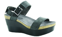 "Naot Alpha sandal coal grey black • <a style=""font-size:0.8em;"" href=""http://www.flickr.com/photos/65413117@N03/32544978591/"" target=""_blank"">View on Flickr</a>"