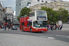 DLP205 T205XBV (PD3.) Tags: uk england bus london buses tour open top president sightseeing seeing topless sight topper psv pcv 205 dlp daf tourbus olst plaxton t205 xbv dlp205 t205xbv