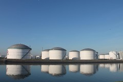 365 day 14 (Paardestaartje) Tags: haven reflection rotterdam harbour storage tanks vopak reflectie botlek