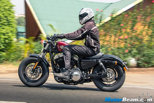 2016-Harley-Davidson-Forty-Eight-09