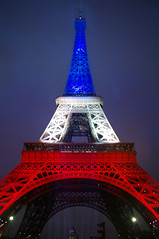 Tour Eiffel Paris (Fabdub) Tags: paris france tower rouge eiffeltower eiffel bleu toureiffel blanc pentaxk7