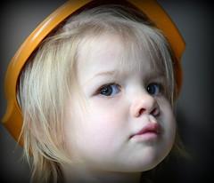 Tupperware Tot (RJAB2012) Tags: hat child 100v10f 50mmf18 nikond7000