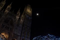 2016 12 09 DSC_0090 (agnèsleclerc) Tags: cathédrale rouen nuit lune marché de noël architecture monument