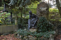 Heidelberg - Bergfriedhof 43 (fotomänni) Tags: friedhofsfotografie friedhofsimpressionen friedhof bergfriedhof bergfriedhofheidelberg cemetery cemeterypictures cemeteryimpressions cimetiere manfredweis