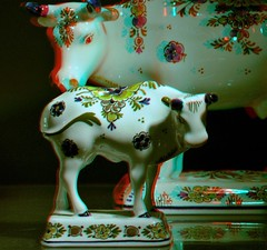 Polychrome Royal Delft 3D (wim hoppenbrouwers) Tags: royaldelft 3d polychrome cows delfts deporceleynefles delft anaglyph stereo redcyan